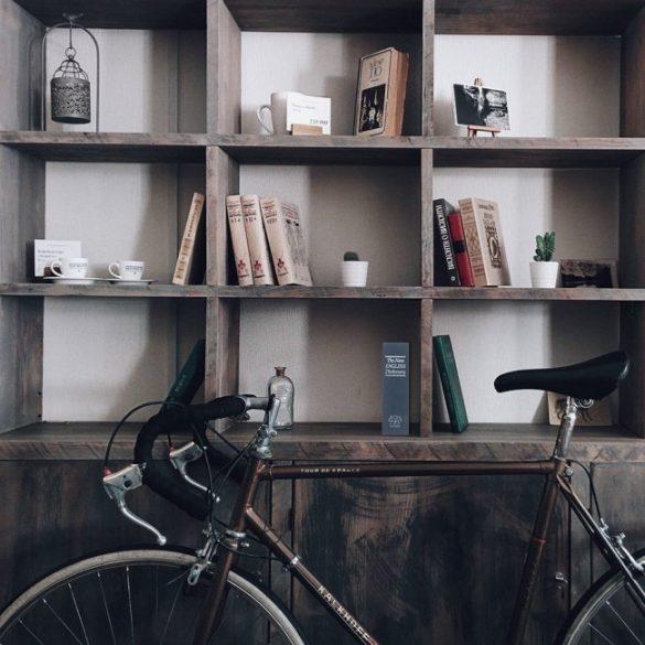 Casetă carte Bookcase cheie